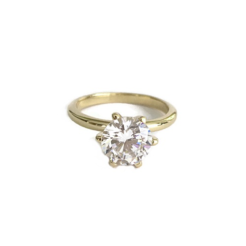 ring-solitaire-engagement-ring