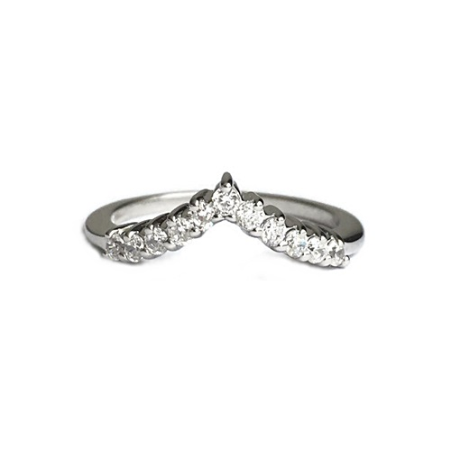 Half eternity V shaped ring