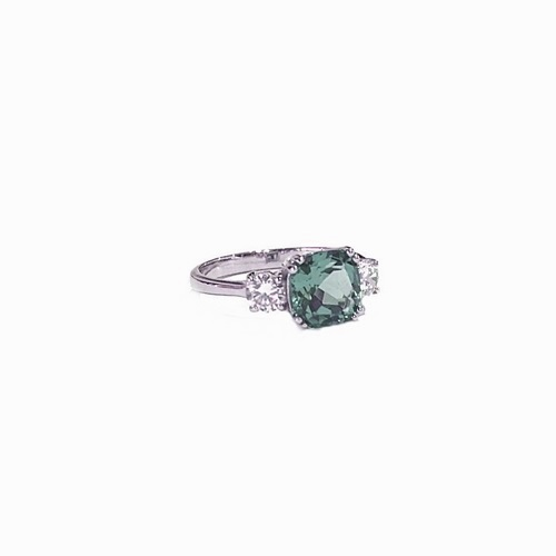 Meghan Markle Engagement Ring with Green stone